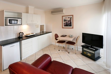 Best Western Ensenada Motor Inn And Suites - Coogee Beach Accommodation
