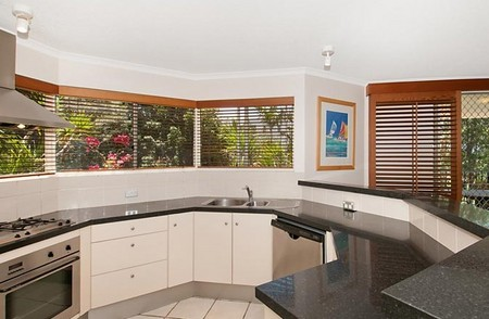 Parkshores Sunshine - Coogee Beach Accommodation