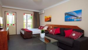 Central Railway Hotel - Coogee Beach Accommodation