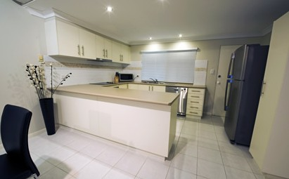 Costa Royale Beachfront Apartments - Coogee Beach Accommodation