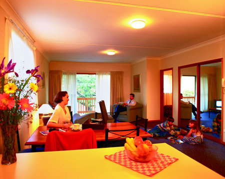 Oxley Court Serviced Apartments - Coogee Beach Accommodation