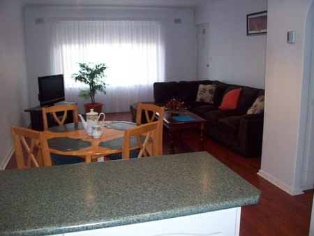 AA Madalena Court Holiday Apartments - Coogee Beach Accommodation