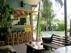 Backpackers By The Bay - Coogee Beach Accommodation