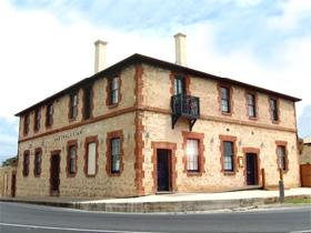 The Australasian Circa 1858 - Coogee Beach Accommodation
