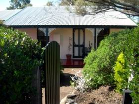 Jasmine's Cottage - Coogee Beach Accommodation