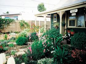 Schoolhouse Cottage - Coogee Beach Accommodation
