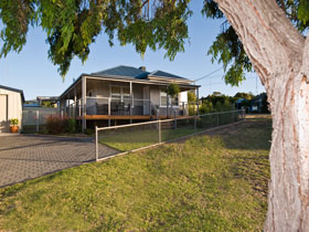 Serenity Holiday House - Coogee Beach Accommodation