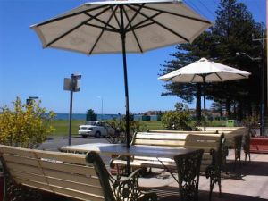 Anchorage at Victor Harbor Seafront Hotel - Coogee Beach Accommodation