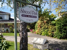 Silwood Park Holiday Unit - Coogee Beach Accommodation
