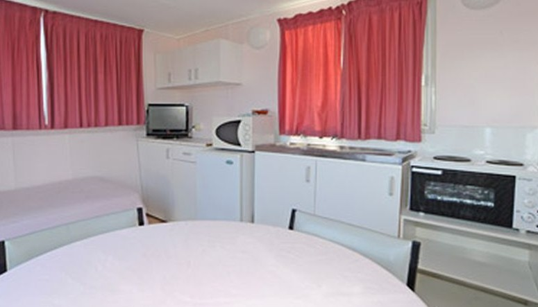 Aukaka Caravan Park - Coogee Beach Accommodation
