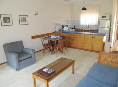 Murray Lodge Holiday Units - Coogee Beach Accommodation