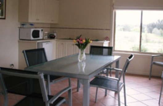 Burns B and B and Yabby Farm - Coogee Beach Accommodation