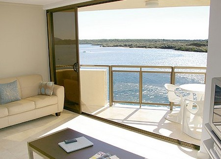 Trafalgar Towers - Coogee Beach Accommodation