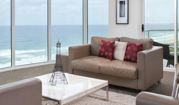 Mint Broadbeach - Coogee Beach Accommodation