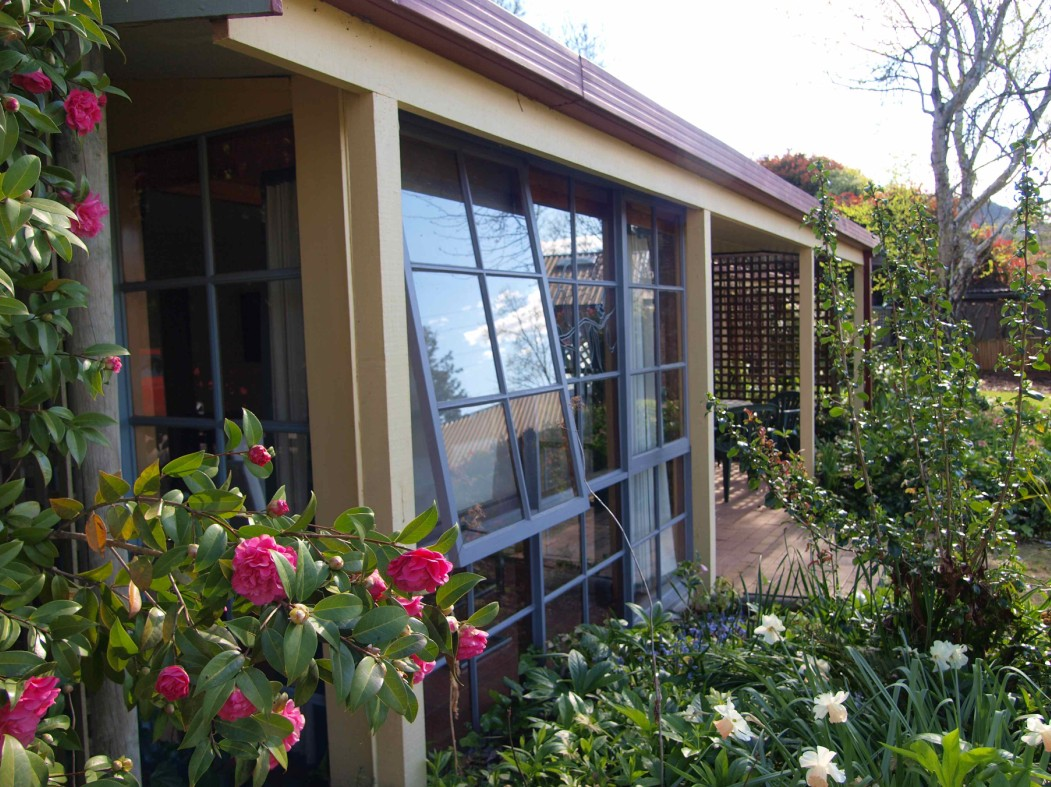 Bright Highland Valley Cottages - Coogee Beach Accommodation