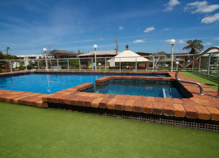 Foreshore Apartments, Mermaid Beach - Coogee Beach Accommodation