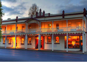Royal George Hotel - Coogee Beach Accommodation