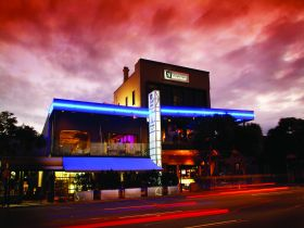 Chalk Hotel - Coogee Beach Accommodation
