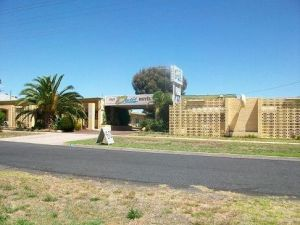 Nhill Oasis Motel - Coogee Beach Accommodation