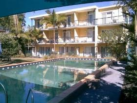 Broadwater Keys - Coogee Beach Accommodation