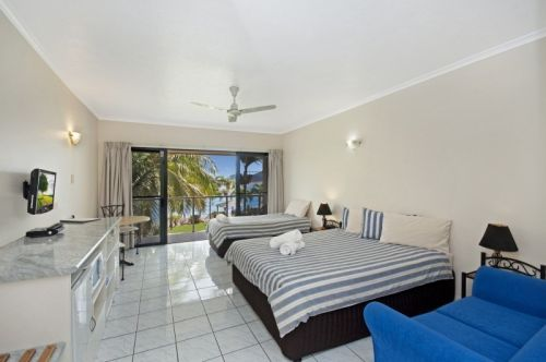 Hinchinbrook Marine Cove Motel - Coogee Beach Accommodation