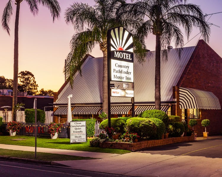 Country Pathfinder Motor Inn - Coogee Beach Accommodation