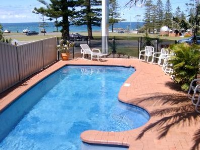 Beach House Holiday Apartments - Coogee Beach Accommodation