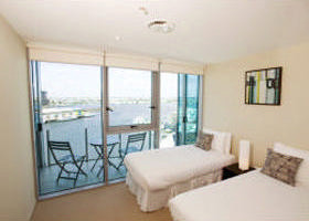 Docklands Apartments Grand Mercure - Coogee Beach Accommodation