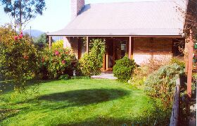 Canowindra Cottage - Coogee Beach Accommodation