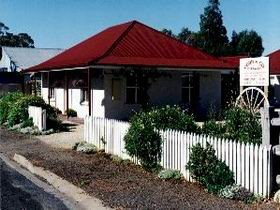 Cobb amp Co Cottages - Coogee Beach Accommodation