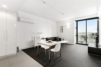 Docklands Private Collection of Apartments - Digital Harbour - Coogee Beach Accommodation
