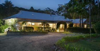 Noosa Valley Manor BampB Retreat - Coogee Beach Accommodation