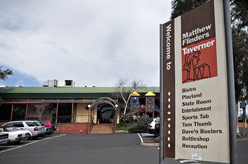 Matthew Flinders Hotel - Coogee Beach Accommodation