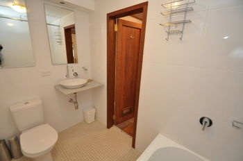 Camperdown 21 Brigs Furnished Apartment - Coogee Beach Accommodation