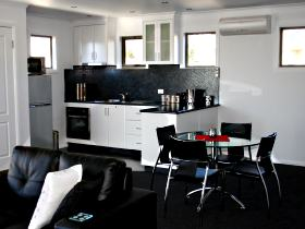 Rosie's Cottage and Town House - Coogee Beach Accommodation
