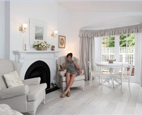 White Dove Cottage Bed and Breakfast - Coogee Beach Accommodation