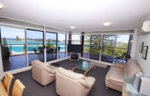Sunrise Apartments Tuncurry - Coogee Beach Accommodation
