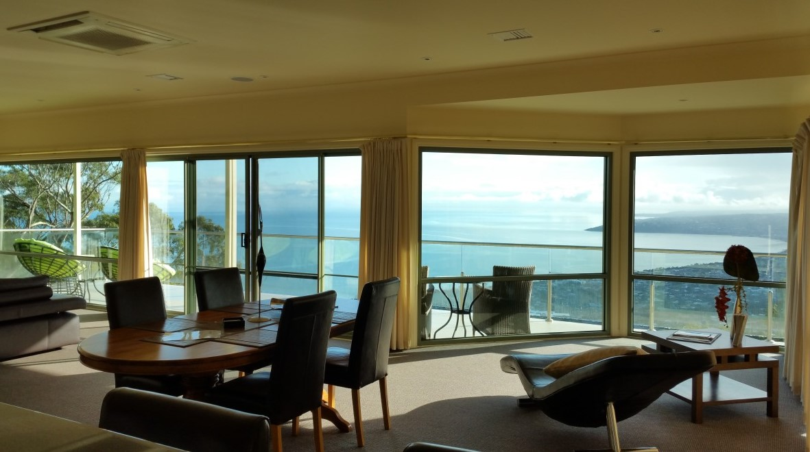 Arthurs Views - Coogee Beach Accommodation