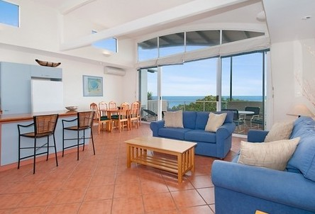 Aqua Promenade Beachfront Apartments - Coogee Beach Accommodation