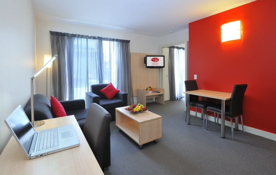 Metro Apartments On Bank Place Melbourne - Coogee Beach Accommodation