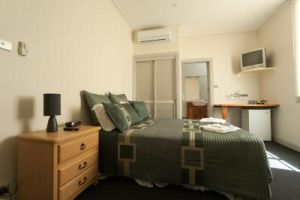 Tommys Tavern  - Coogee Beach Accommodation