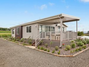 The Lake House Rothbury - Coogee Beach Accommodation