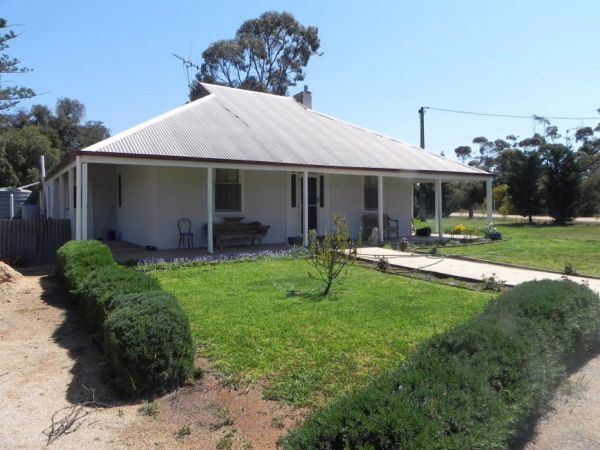 Great Grandpa Henry Retreat - Coogee Beach Accommodation