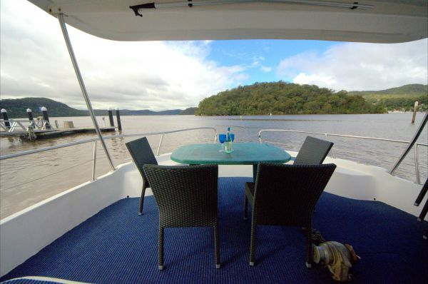 Luxury Afloat Hawkesbury River and Brooklyn - Coogee Beach Accommodation