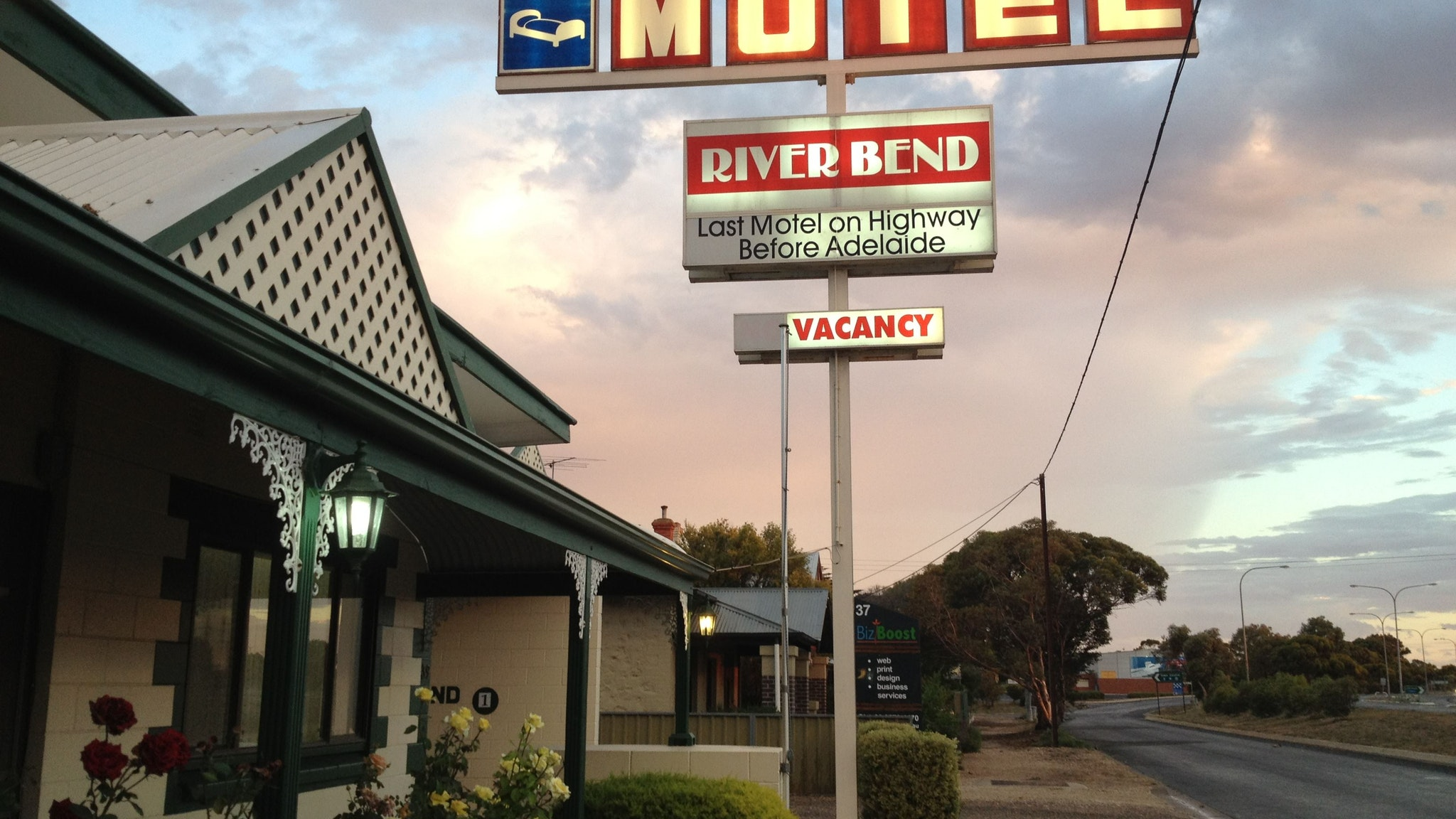 Motel Riverbend - Coogee Beach Accommodation