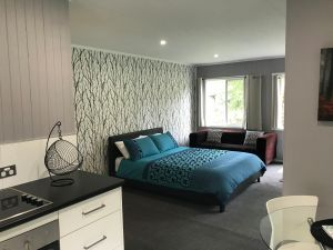 Ravenscroft Cottage - Coogee Beach Accommodation