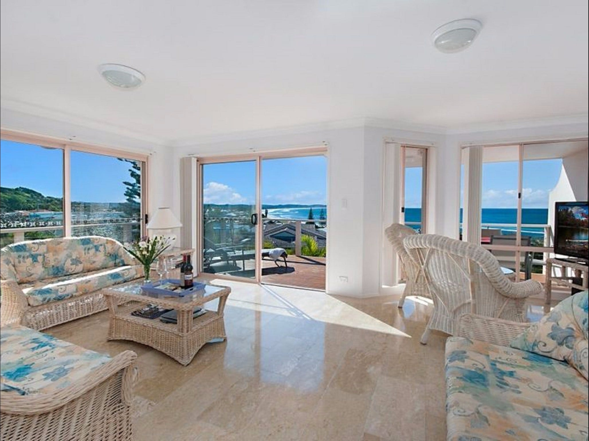 Pacific Rose - Coogee Beach Accommodation