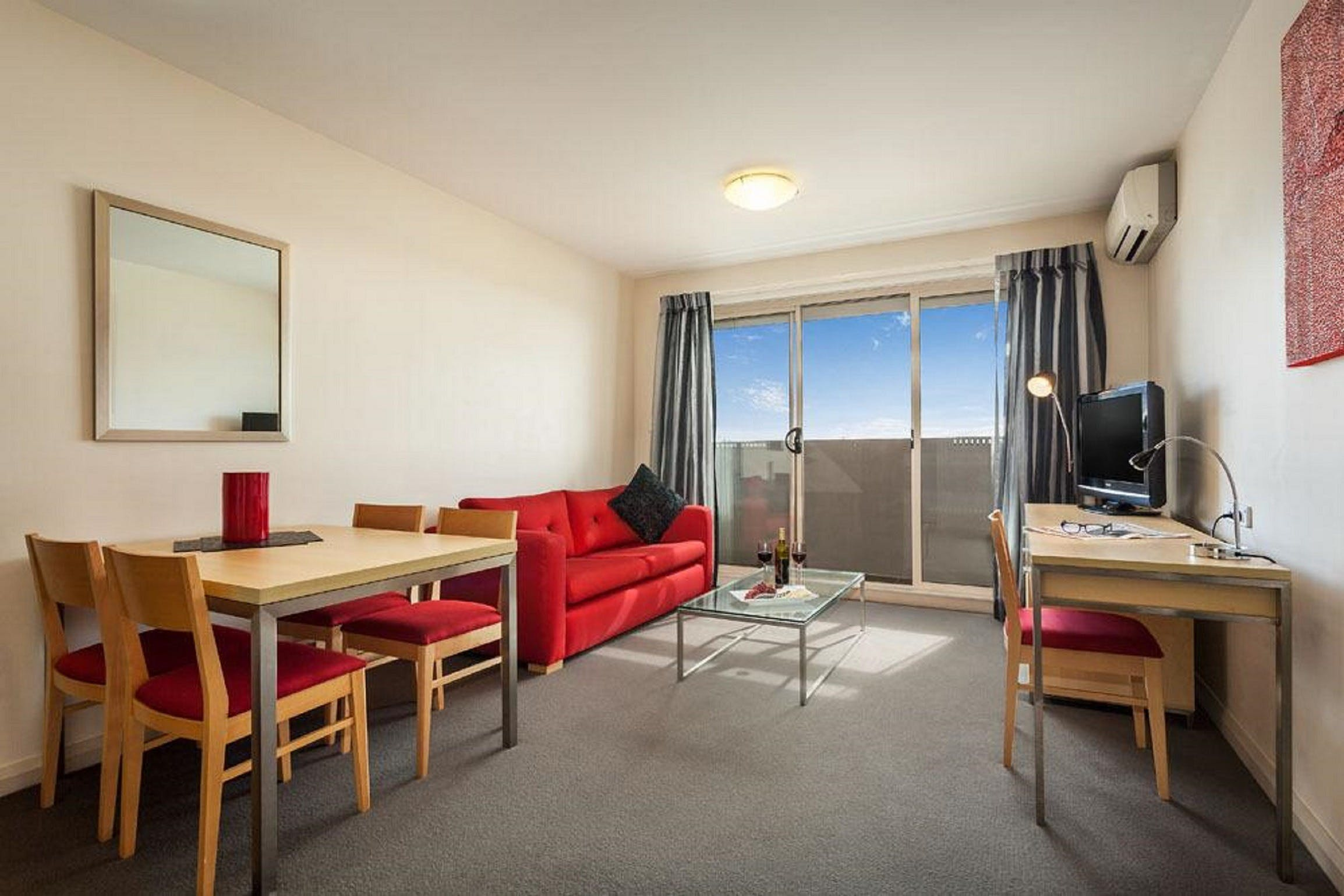 Quest Castle Hill Serviced Apartments - Coogee Beach Accommodation