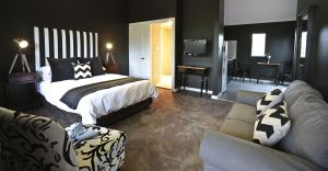 One Paddock Currency Creek Villas and RETREAT - Coogee Beach Accommodation