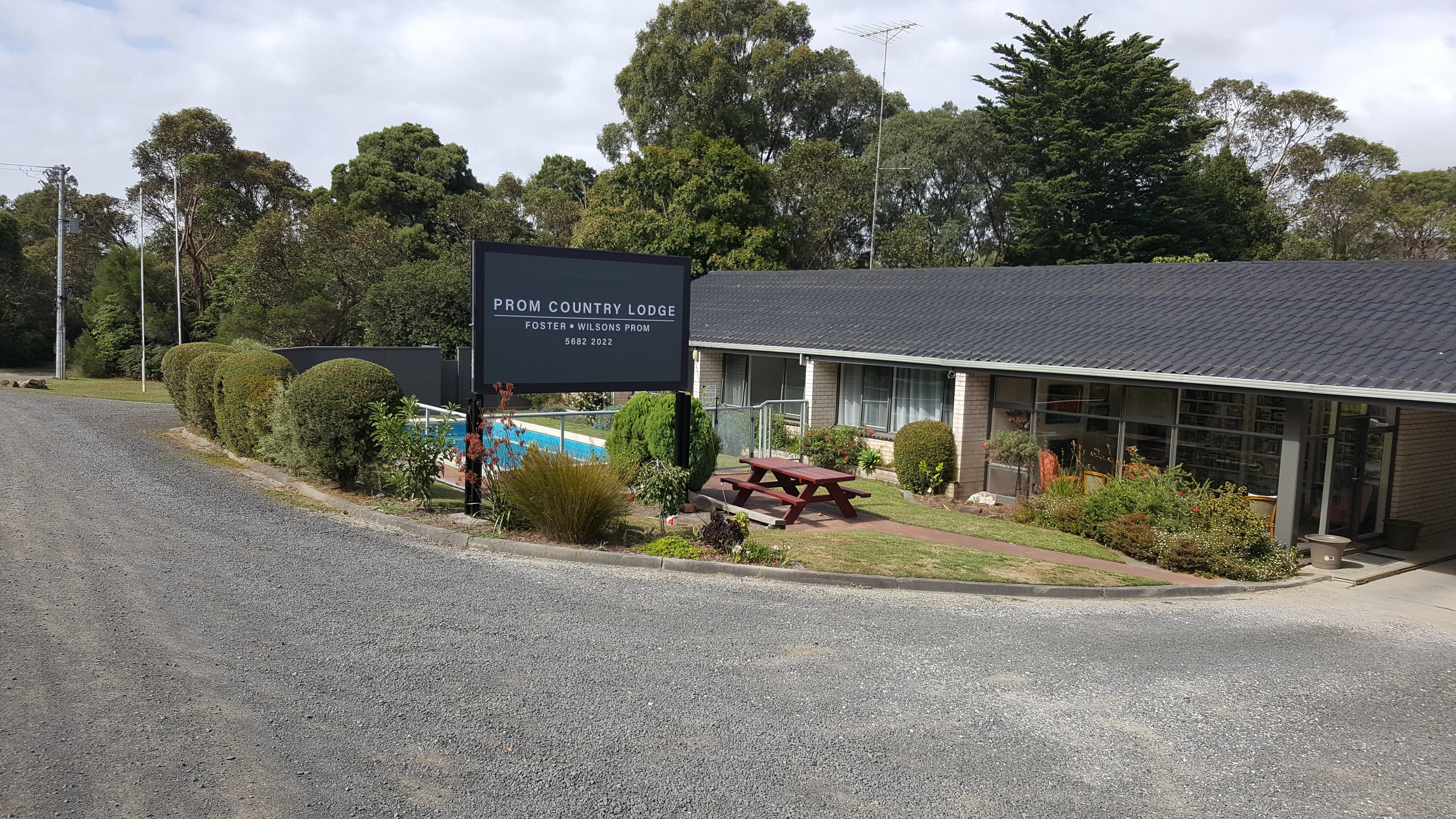 Prom Country Lodge - Coogee Beach Accommodation